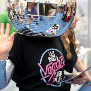 Disco-Ball-Head-Dancers03