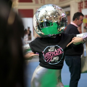 Disco-Ball-Head-Dancers04