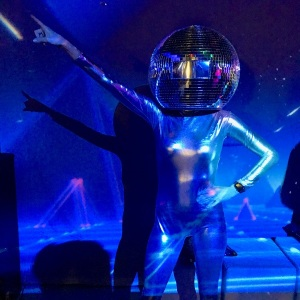 Disco-Ball-Head-Dancers07