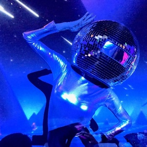 Disco-Ball-Head-Dancers08