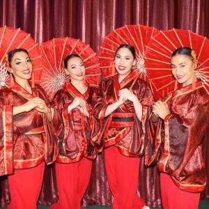 Chinese-Umbrella-Dance