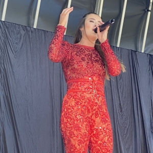 Female-Musicals-Vocalist