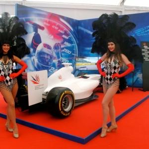 Racing-Showgirls